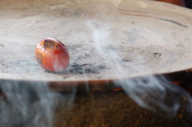 how to use a comal Kitchen Appliance HQ roma tomato charring on a clay comal
