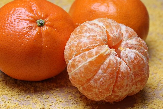 how to use a juicer to make orange juice Kitchen Appliance HQ 2 unpeeled and 1 peeled mandarin oranges